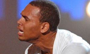 chris-brown-crying-bet-awards1