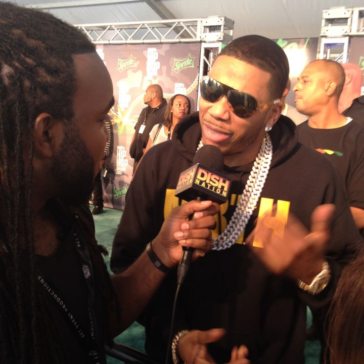 Headkrack Interviews Nelly On The Red Carpet At The 2013 BET Hip Hop Awards