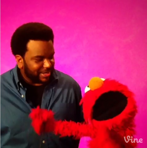Craig Robinson & Elmo 2014 Vine