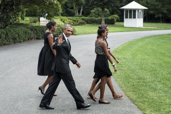 Michelle Obama, Barack Obama, Sasha Obama & Malia Obama