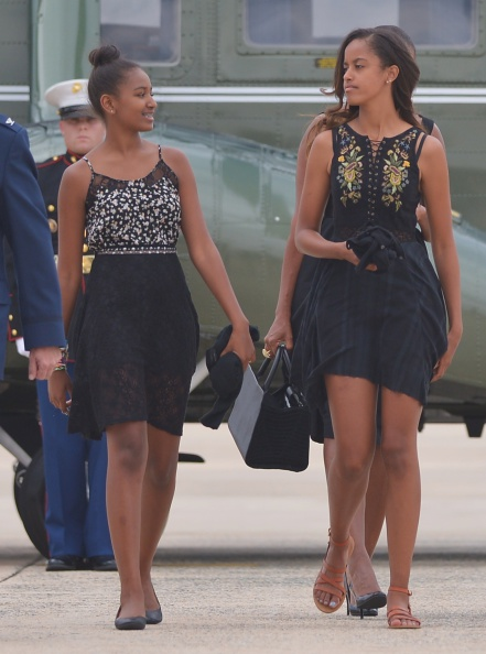 sasha-obama-malia-obama-2014-getty-mandel-ngan