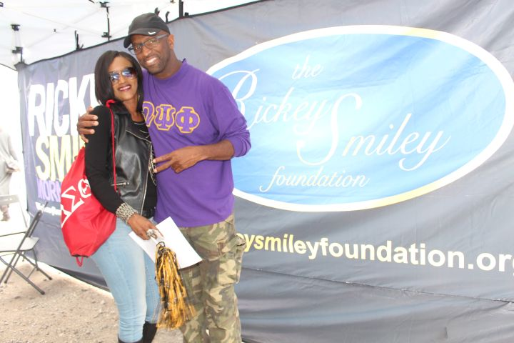 Rickey Smiley & Fans At Magic City Classic 2015