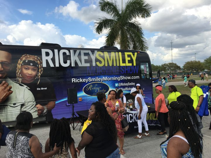 Rickey Smiley Morning Show Listeners & Bus