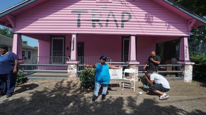 Ms. Juicy @ The Pink Trap House