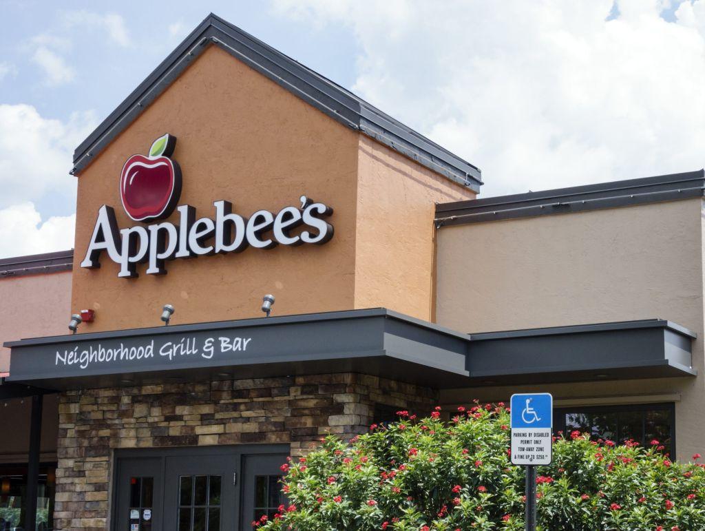 The exterior of Applebee's Neighborhood Grill and Bar.