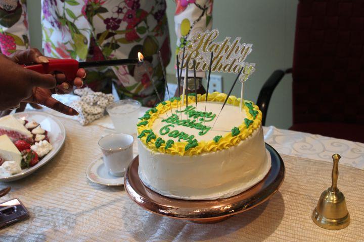 Gary With Da Tea's Cake