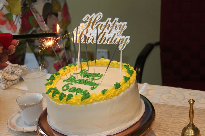 Cake, Cake, Cake, Cake, Cake, Cake…