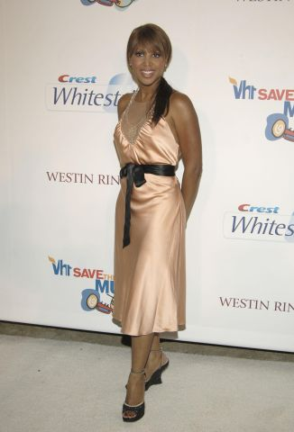 Crest Whitestrips Hosts Music of Love Benefiting VH1 Save The Music Foundation