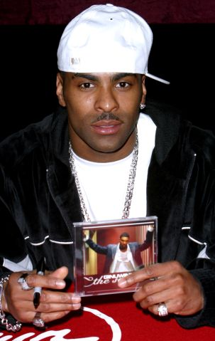 Ginuwine Signs New Album at Virgin Megastore