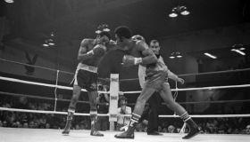 Eusebio Pedroza v Rocky Lockridge